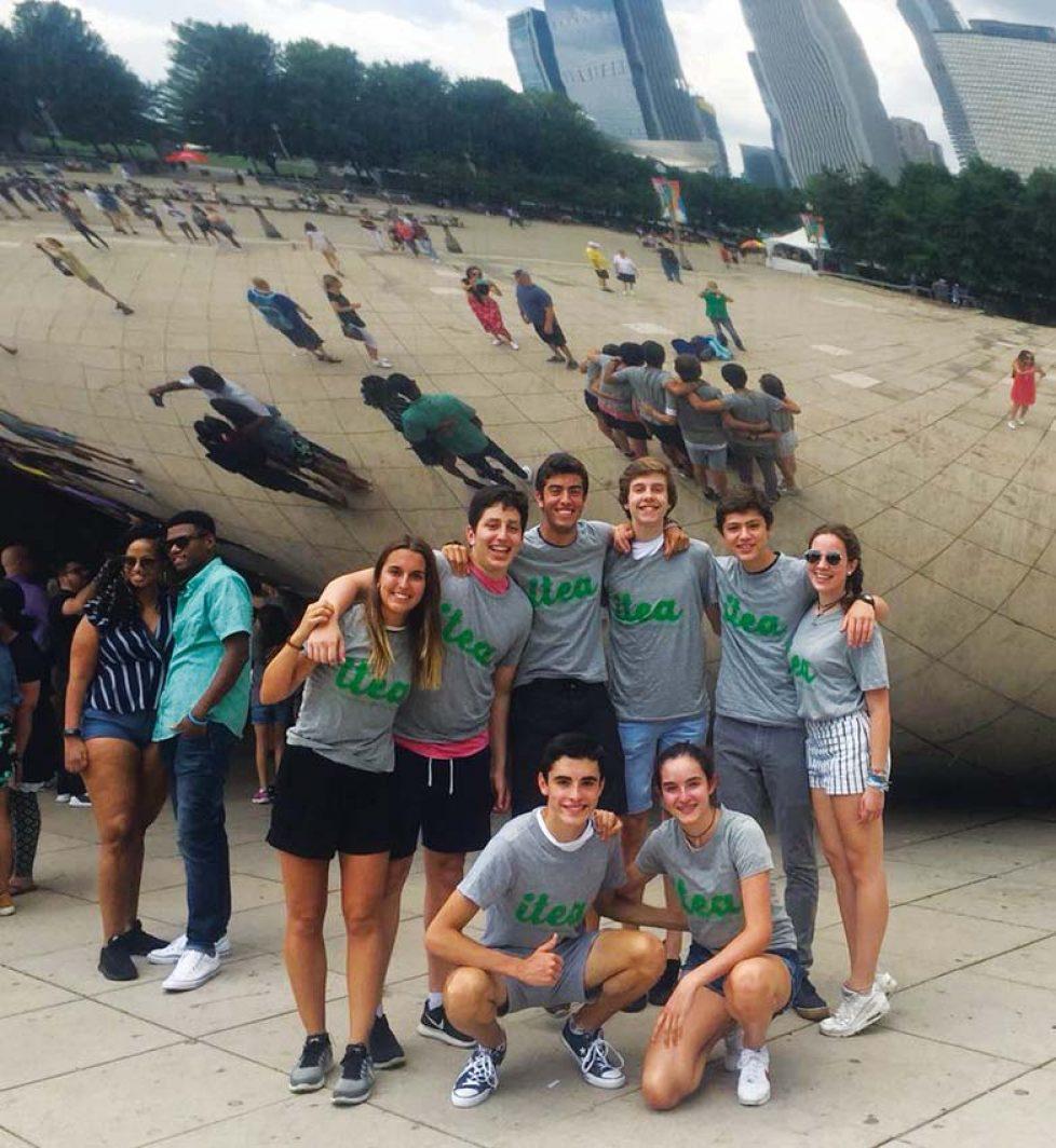 Inmersión total en familia con excursión de 1 día a Chicago