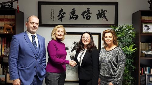 诚信基金会与 ITEA 西班牙专业游学公司合作,优惠侨民子弟
